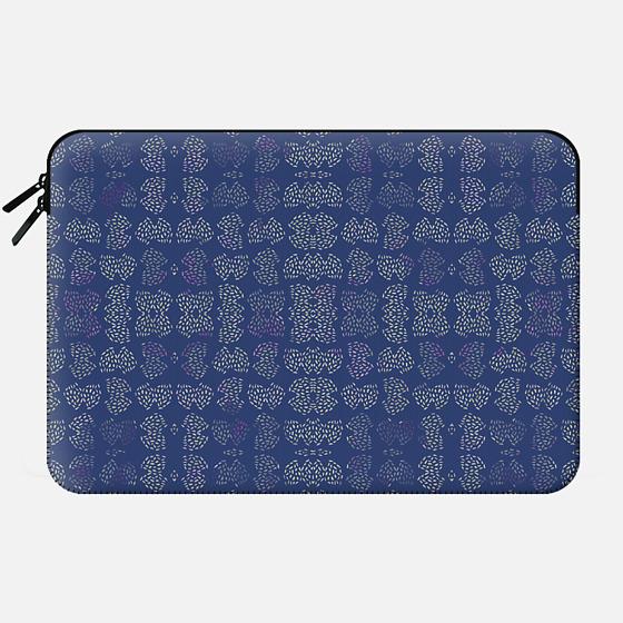 My Design #18 - Macbook Sleeve