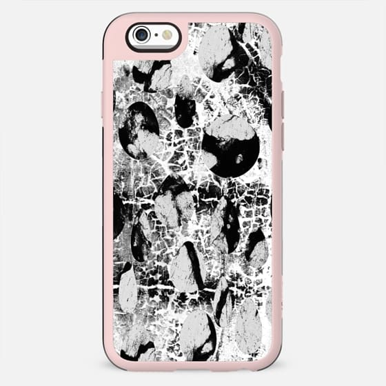 Black and white cracked stones - New Standard Case