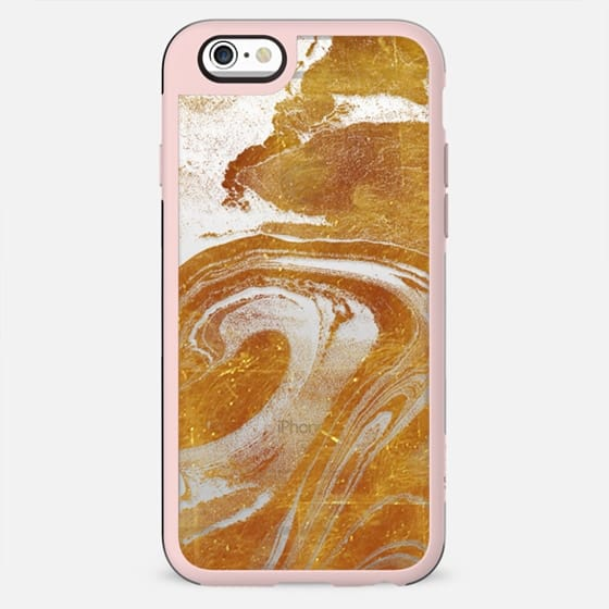 Flowing gold marble