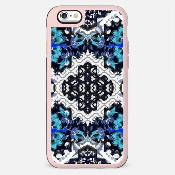 Oriental white-blue floral decoration
