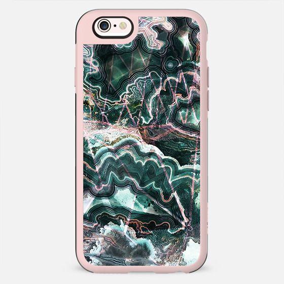 Emerald green precious stones - New Standard Case
