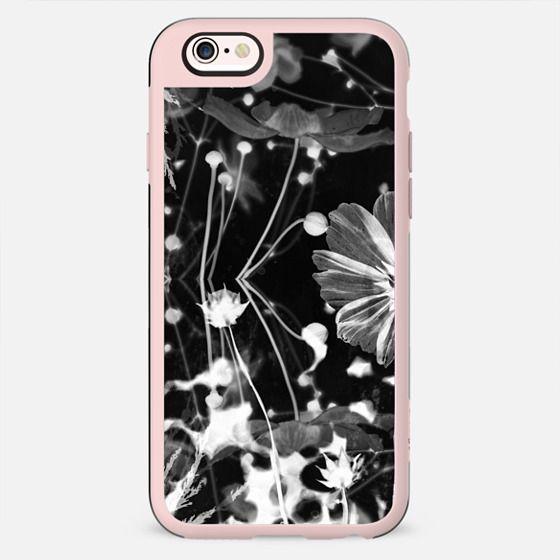 Monochrome x-ray flowers - New Standard Case