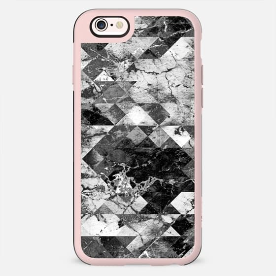 Marble cracked triangles black and white