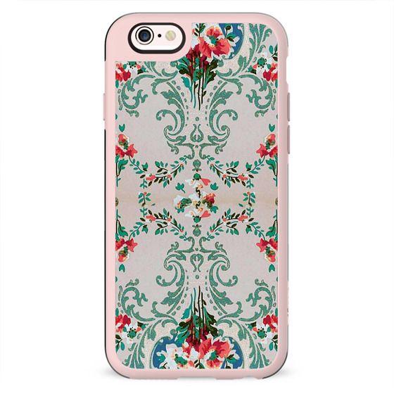 Elegant Antoinette floral wallpaper