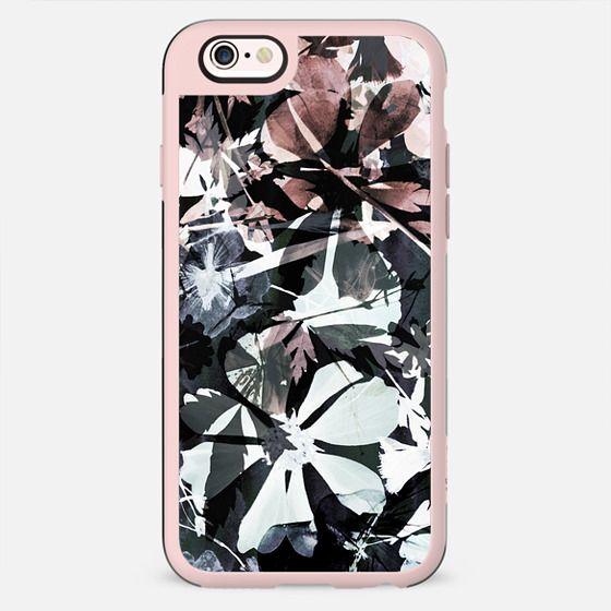 Dark painted petals II - New Standard Case