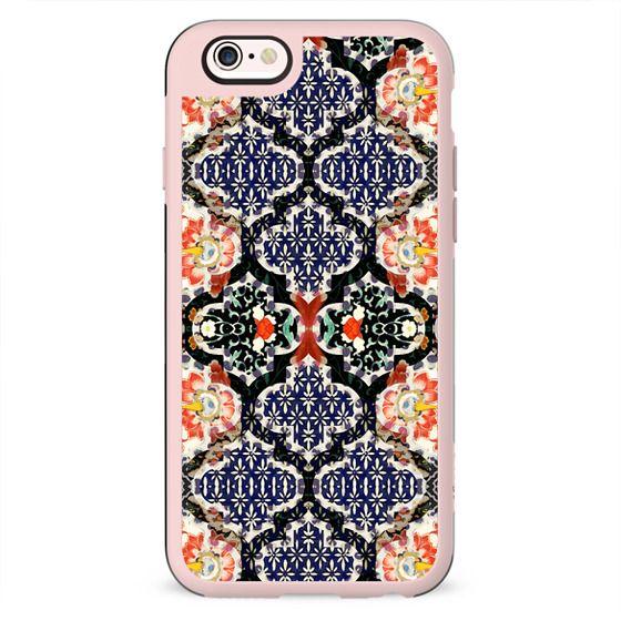 Elegant rich floral Damask pattern