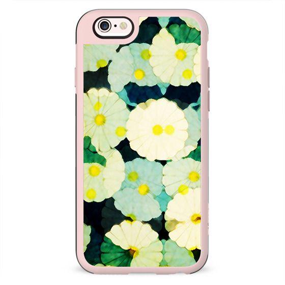 Blurred daisy flowers