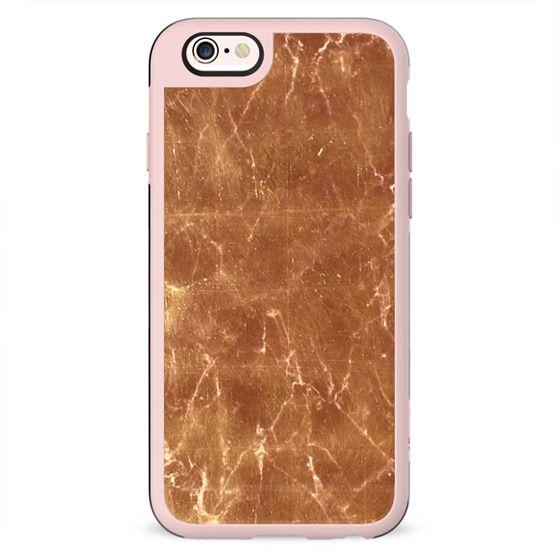 Minimal golden marble cracks