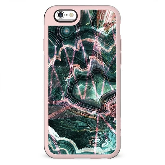 Emerald marble lines