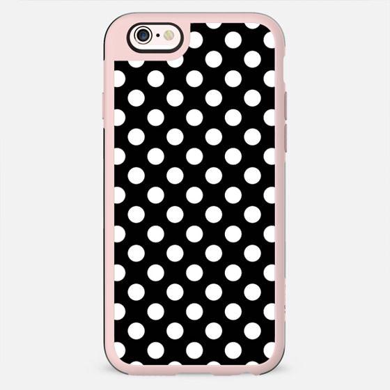 Black & White Polka Dot Pattern -