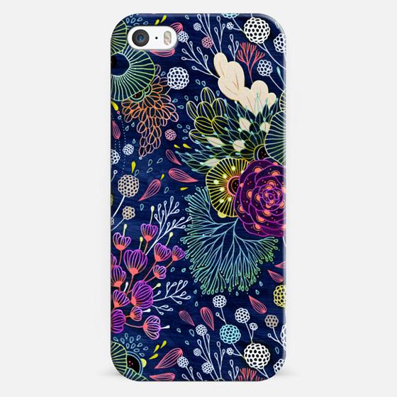 iPhone 5s Case - Dark Floral