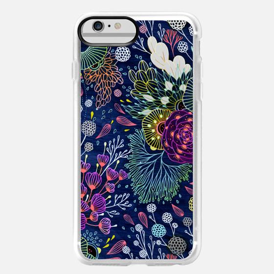iPhone 6 Plus Capa - Dark Floral
