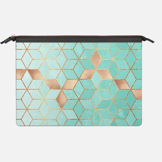 Soft Gradient Aquamarine - Saffiano Leather Sleeve