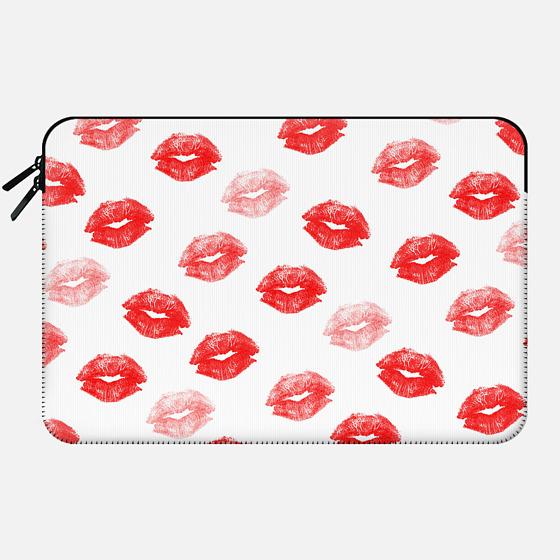 Modern love red watercolor lips pattern by Girly Trend - Macbook Sleeve
